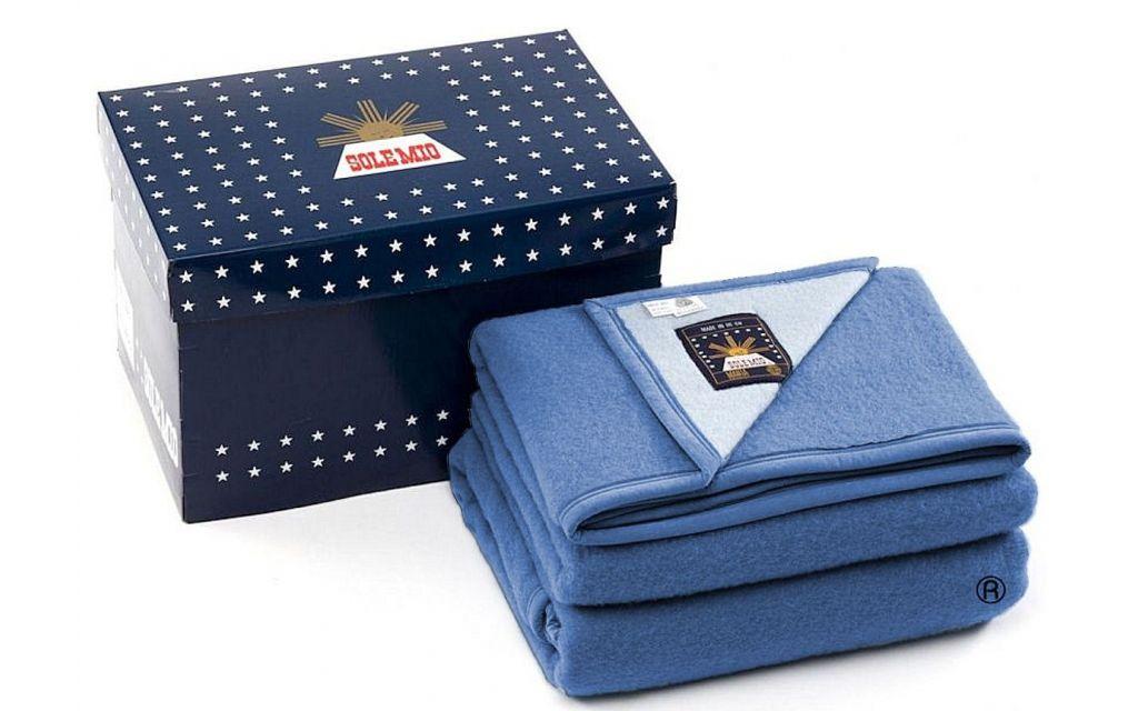 Sole Mio scheerwollen deken hemelsblauw-blauw